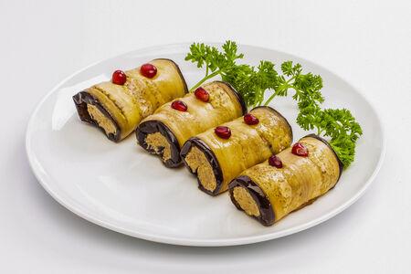 Баклажаны фаршированные с грецкими орехами