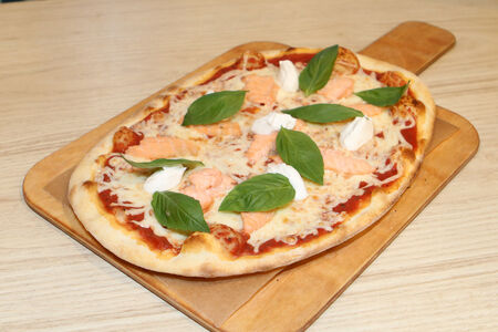 Пицца Лосось и моцарелла