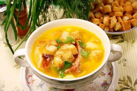 Суп гороховый с копчёными рёбрышками