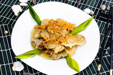 Свинина в кисло-сладком соусе Гобаожоу