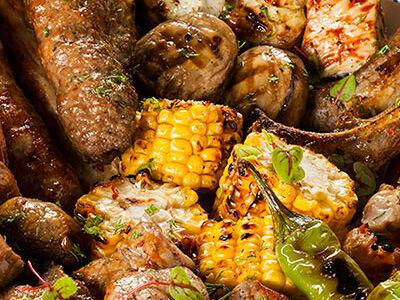 Ассорти шашлыков с овощами