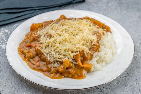 Карри с рисом и сыром неострый