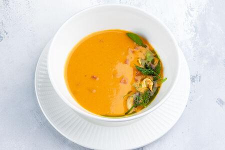 Суп Том Ям с креветками на кокосовом молоке