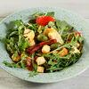 Фото к позиции меню Овощной салат с вялеными томатами и оливками и артишоками