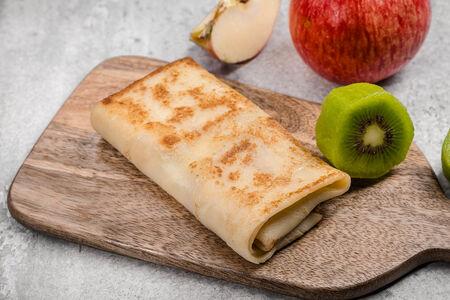Блины с киви и яблоком