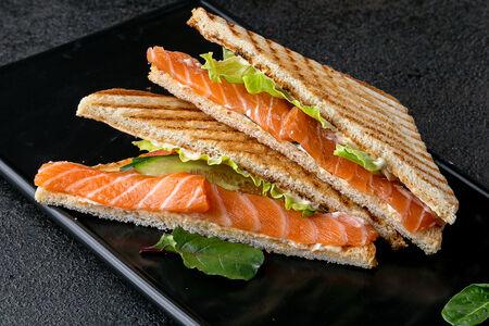 Cендвич с лососем