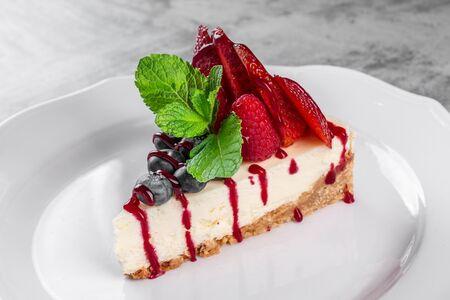 Торт Чизкейк с ягодами