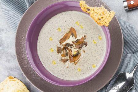 Крем-суп с грибами и гренками