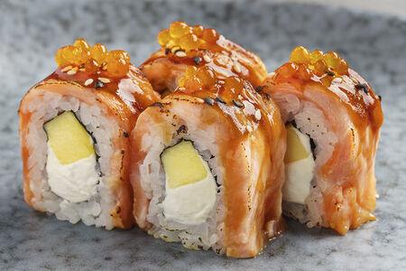 Ролл с жженым лососем и манго