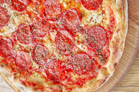 Пицца Салями пиканте