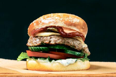 Фирменный бургер от шеф-повара