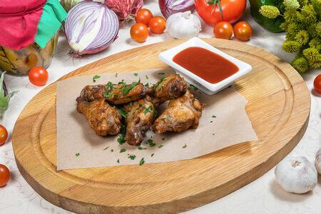 Куриные крылья с соусом барбекю