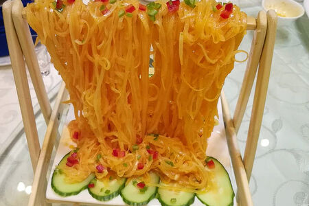 Картофельная лапша в кисло - сладком соусе