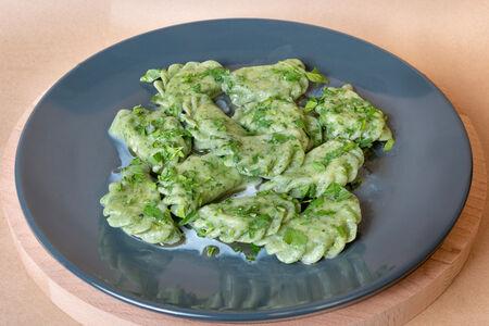 Зелёные вареники со шпинатом