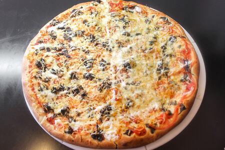 Пицца Микс 5 (Флорентийская и Маргарита)