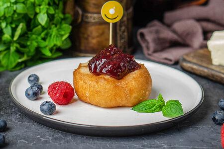 Пончик с лесными ягодами