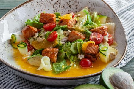 Салат с лососем терияки