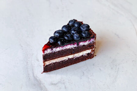 Торт Шоколадный с голубикой