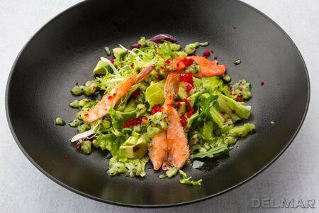 Салат из авокадо с креветками и соусом Киви