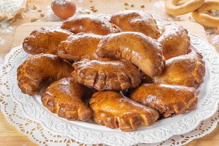 Пирожки с вишней