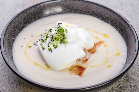 Крем-суп из цветной капусты на кокосовом молоке