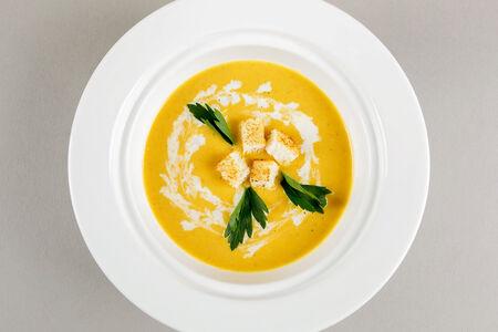Крем-суп Сырный с крутонами