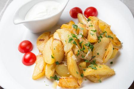 Картофель, жаренный по-домашнему