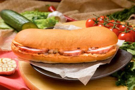 Бутерброд Большой с копченым мясом