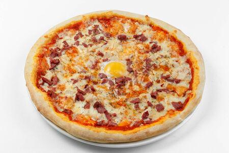 Пицца с копченой курой и говядиной