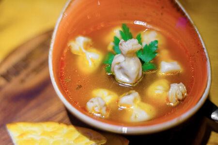 Суп с мини-хинкали