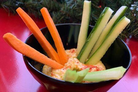 Хумус с овощами