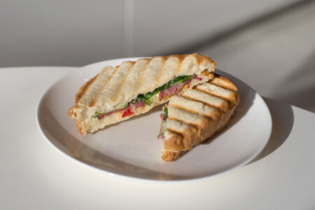 Сэндвич  с брауншвейгской колбасой