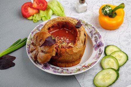 Тосканский томатный суп с сырным чипсом