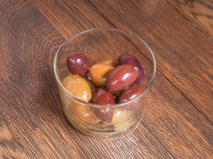 Гигантские средиземноморские оливки