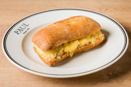 Сэндвич с курицей и соусом Бешамель