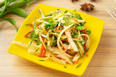 Салат из кальмара с зеленью