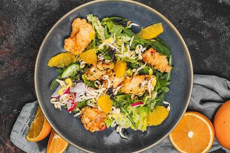 Салат с цыпленком и карри