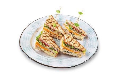 Клаб сэндвич с копченой курицей