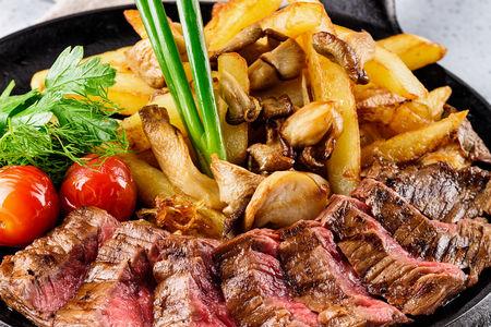 Мачете стейк, приготовленный на гриле