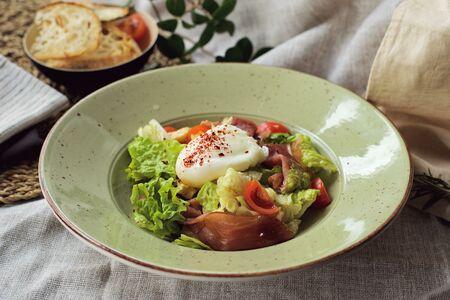 Салат с окороком
