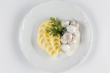 Сырные колобки с пюре