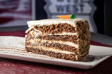 Торт Морковный огромный