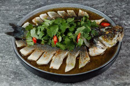 Рыба на пару в соусе Тонкацу