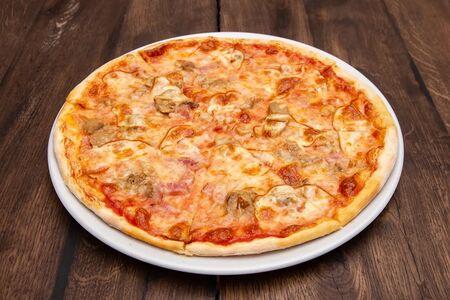 Пицца Скаморца и белые грибы