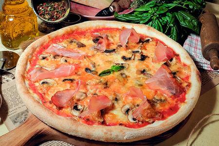 Пицца Пекорино и ветчина