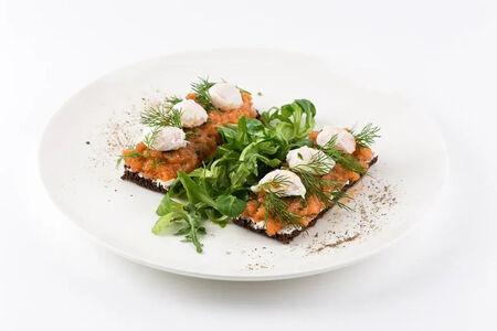 Тост с лососем