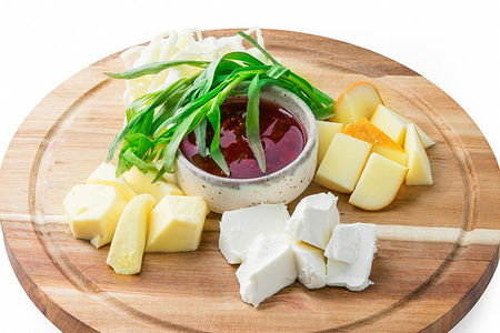 Тарелка Кавказских сыров