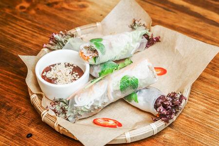 Спринг-ролл с тофу и овощами