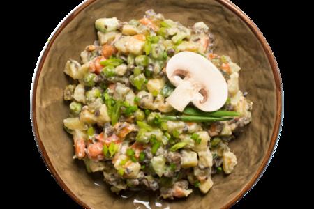 Салат оливье с жареными грибами
