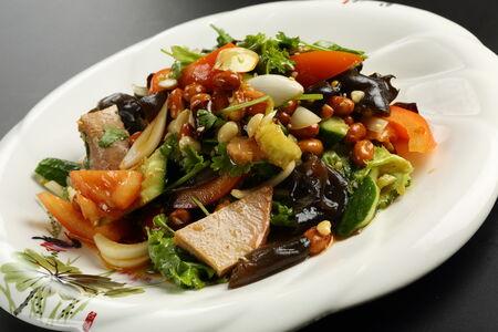 Салат из филе говядины